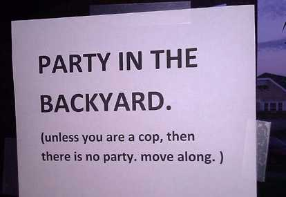 images/gallery/sightgags/PartyInTheBackyard.jpg