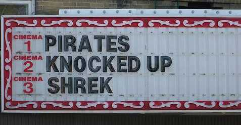 images/gallery/sightgags/PiratesKnockedUpShrek.jpg